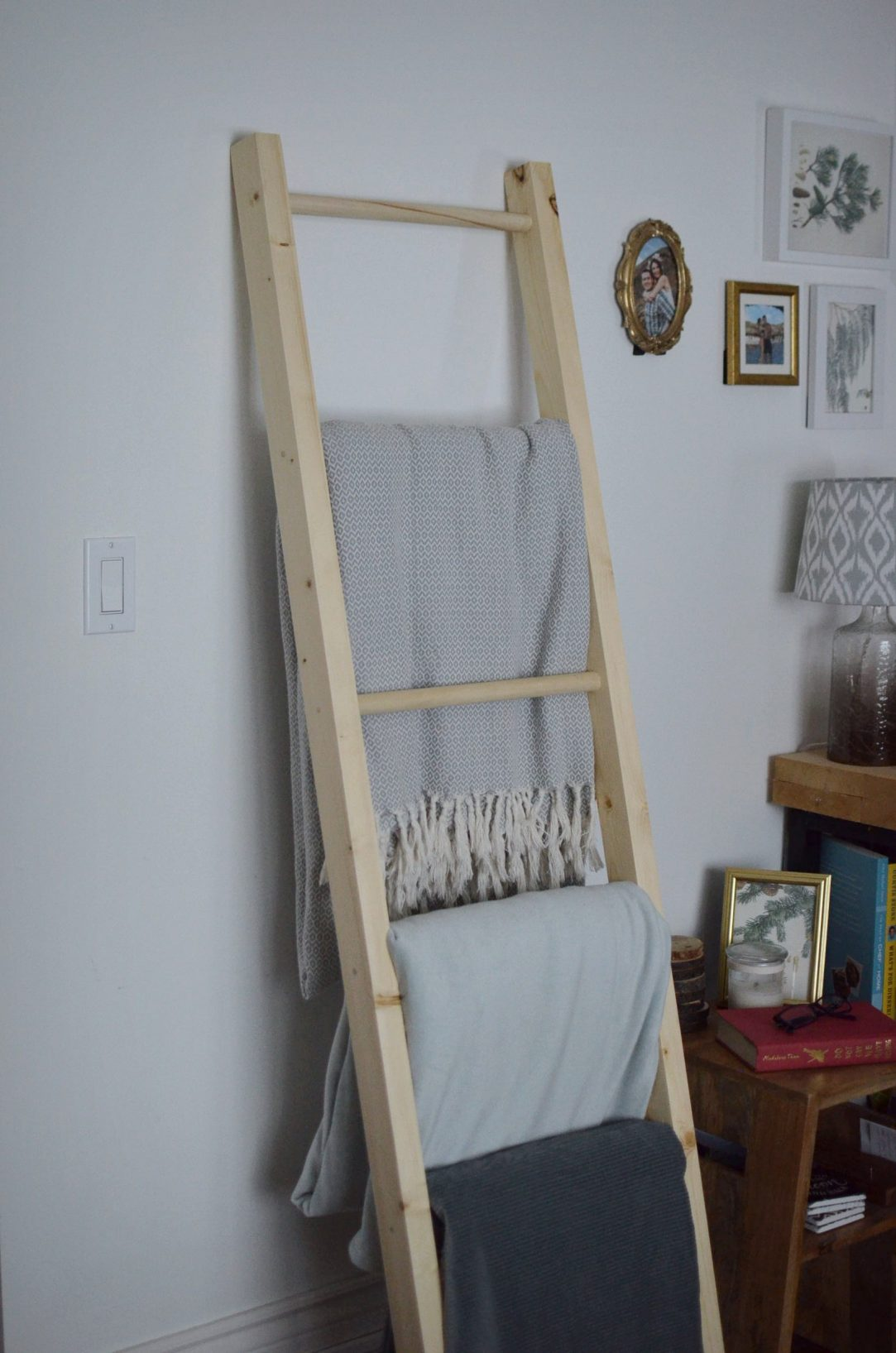 blanket ladder, blanket storage